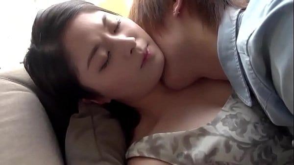 หนัง AV  คู่รักญี่ปุ่นสุดเงี่ยน นัดกันเข้าโรงแรม ดูดควย เลียหี แล้วขึ้นขย่ม