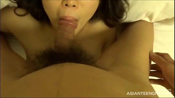 สาวใหญ่เกาหลี แอบออกมาเย็ดกับชู้ ดูดควยอย่างเก่ง ขย่มควยก็มันส์